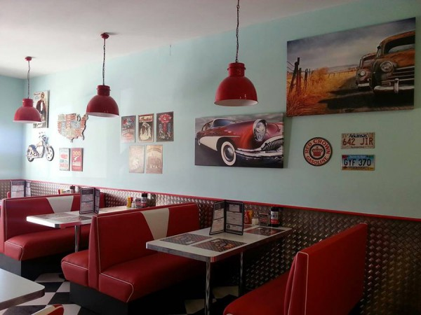 "Restaurante ""The Rocket"""